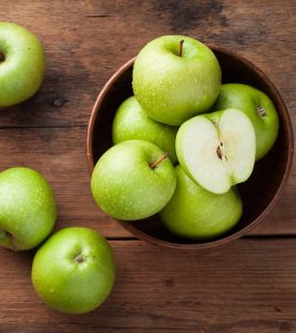 Green Apple Benefits and Side Effects in Hindi
