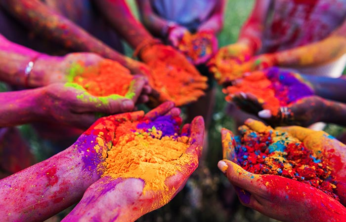 Happy Holi Wishes in Hindi4