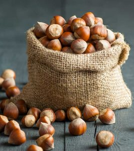 Hazelnuts Benefits and Side Effects in Hindi