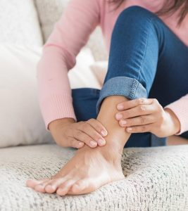 Leg Pain Causes, Symptoms and Home Remedies