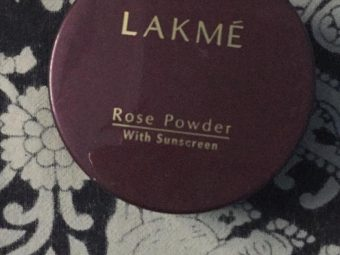 Lakme Radiance Complexion Compact pic 1-Lakme compact powder-By garimabagga