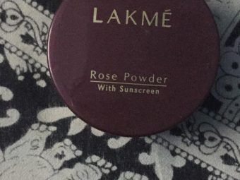 Lakme Radiance Complexion Compact pic 2-Lakme compact powder-By garimabagga