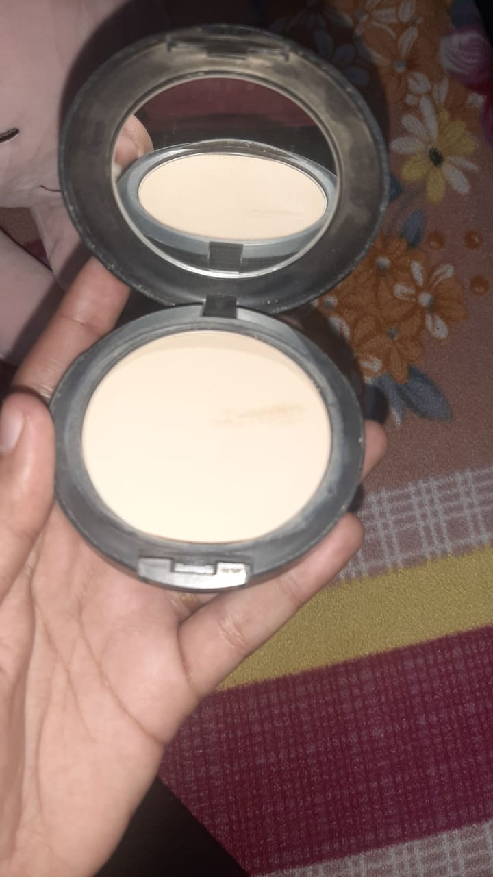 MAC Mineralize Skinfinish Natural Powder-Mac mineralize skinfinish natural powder-By garimabagga-1