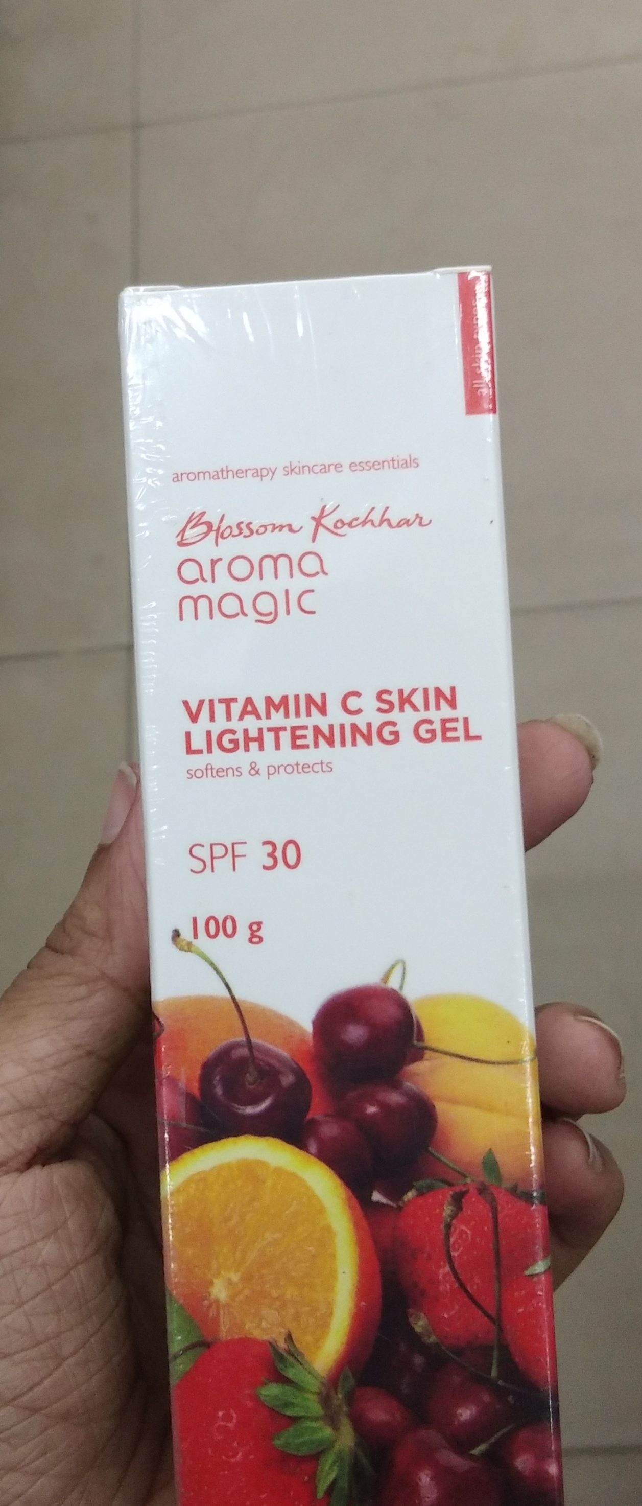 Aroma Magic Vitamin C Skin Lightening Gel SPF 30-Not satisfied-By Nasreen-2
