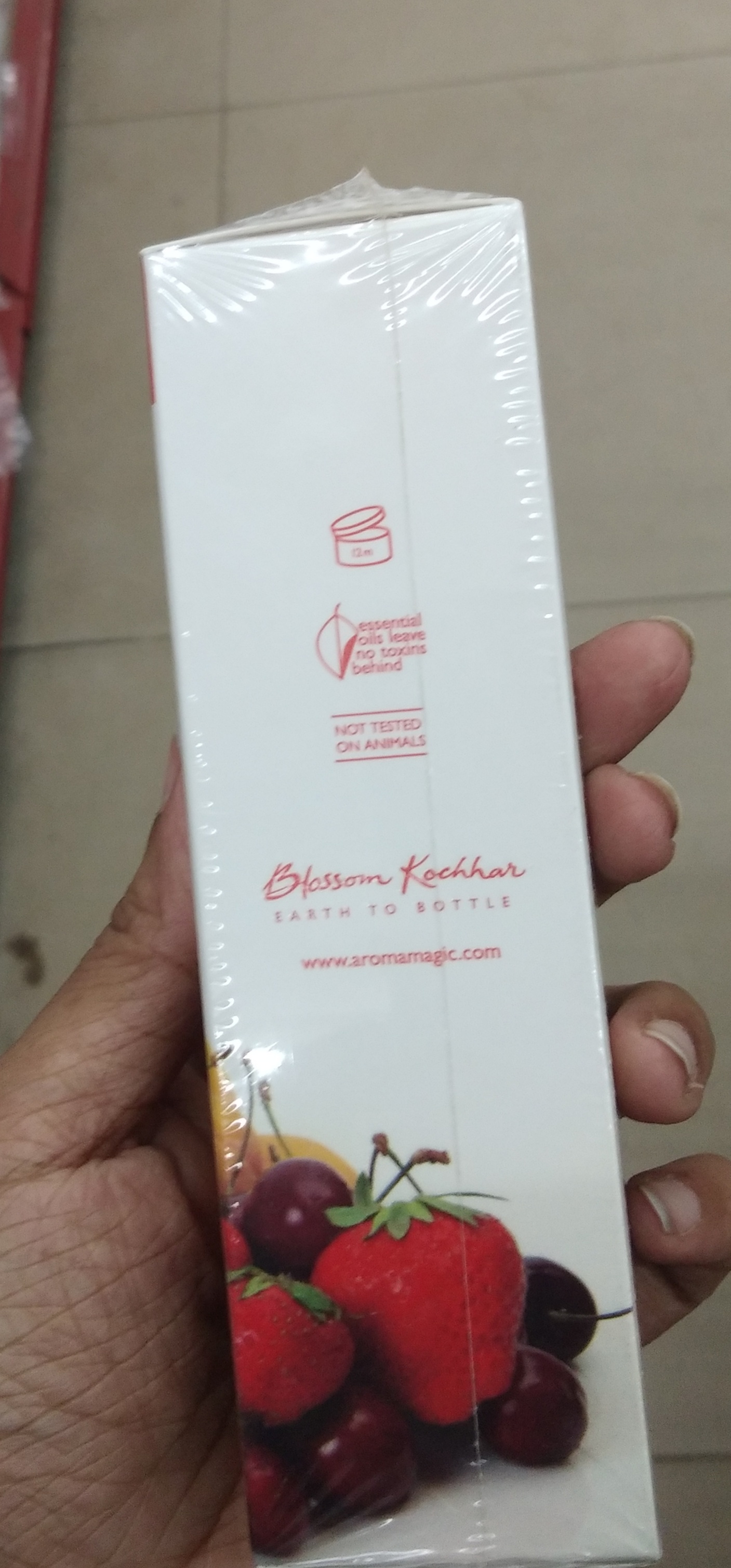 Aroma Magic Vitamin C Skin Lightening Gel SPF 30-Not satisfied-By Nasreen-1