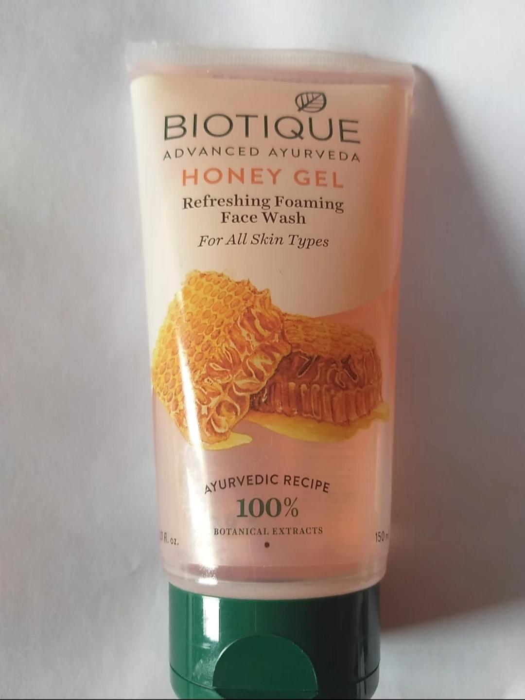 Biotique Bio Honey Gel Refreshing Foaming Face Cleanser -Honey gel Facewash-By mitshu98