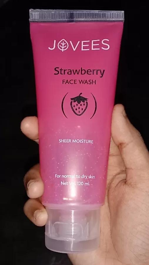 Jovees Strawberry Face Wash-Strawberry facewash-By mitshu98