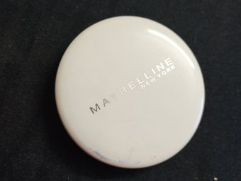 Maybelline New York White Super Fresh Compact pic 2-Oil control compact-By ayeshazaiba