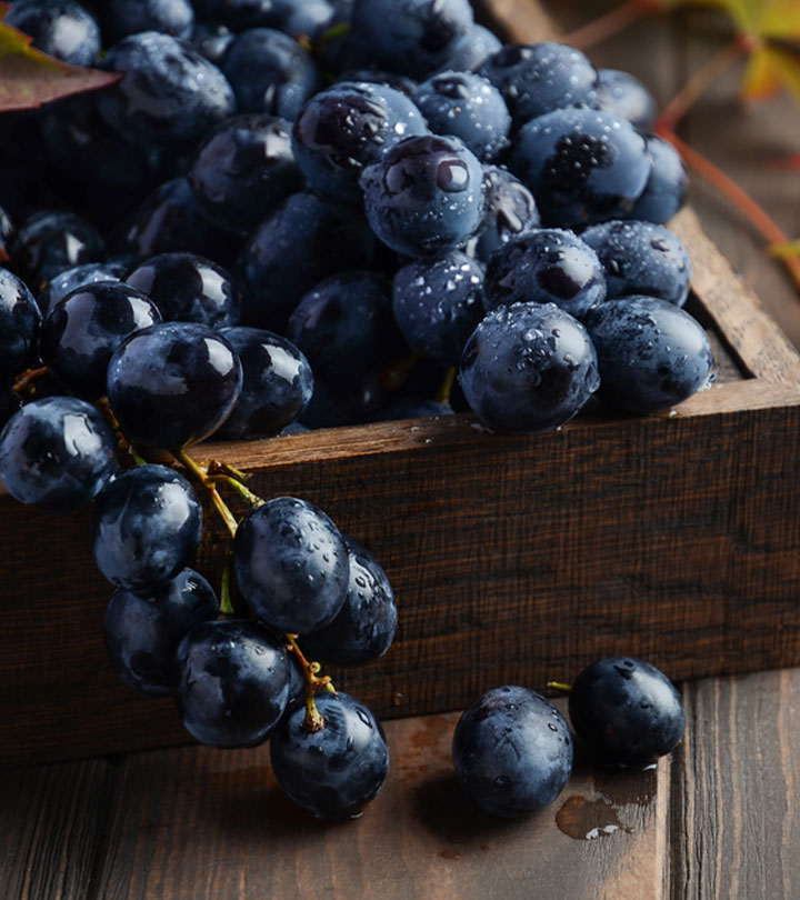काले अंगूर के फायदे और नुकसान – Black Grapes Benefits and Side Effects in Hind