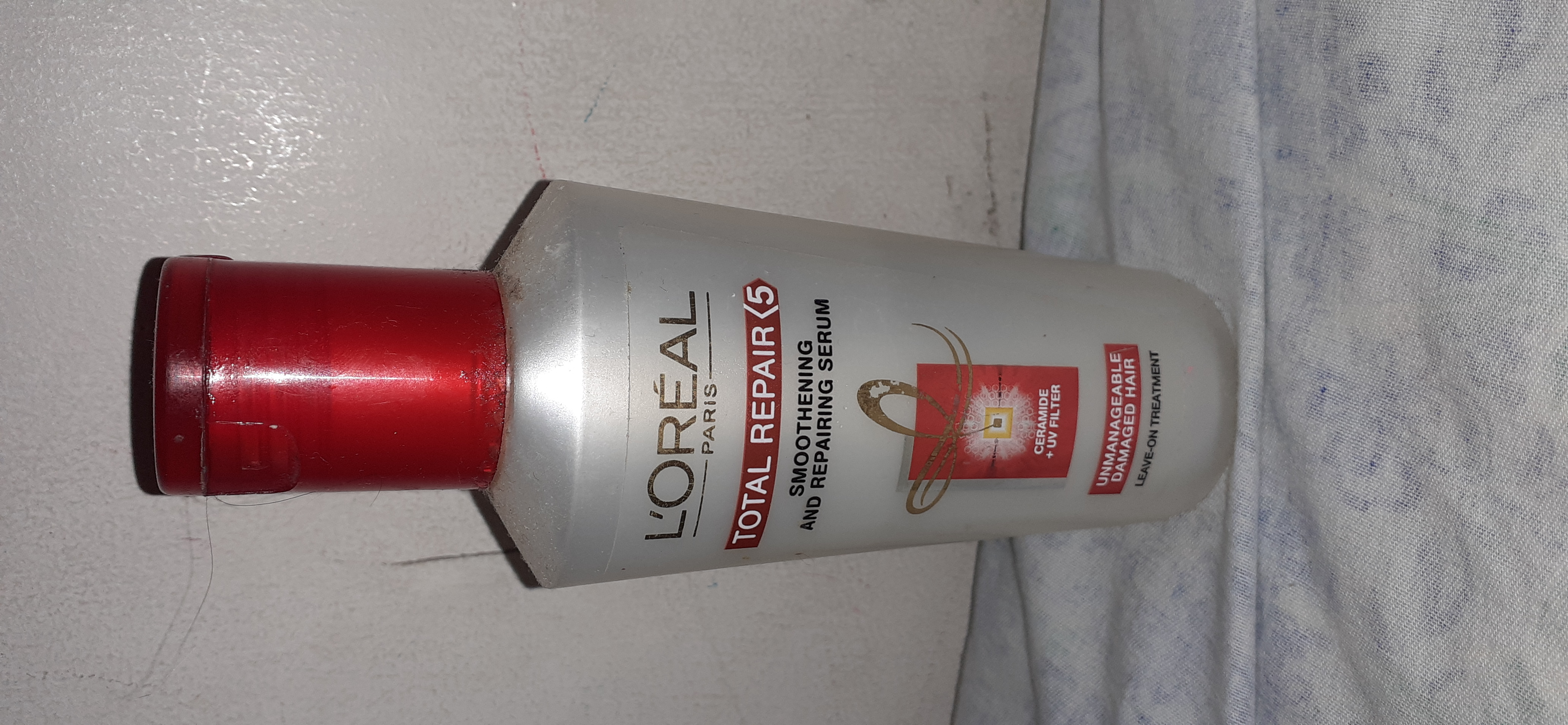 L'Oreal Paris Total Repair 5 Instant Smoothing and Nourishing Oil Serum-Beautiful product as a hair serum-By shreeshma_d