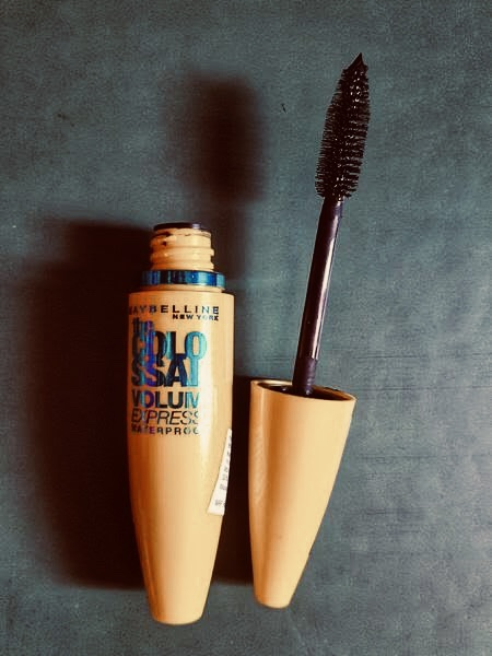 Maybelline The Colossal Volum Express Mascara-MAKE YOUR DAY FLAWLESS-By kaur_sucheta-1