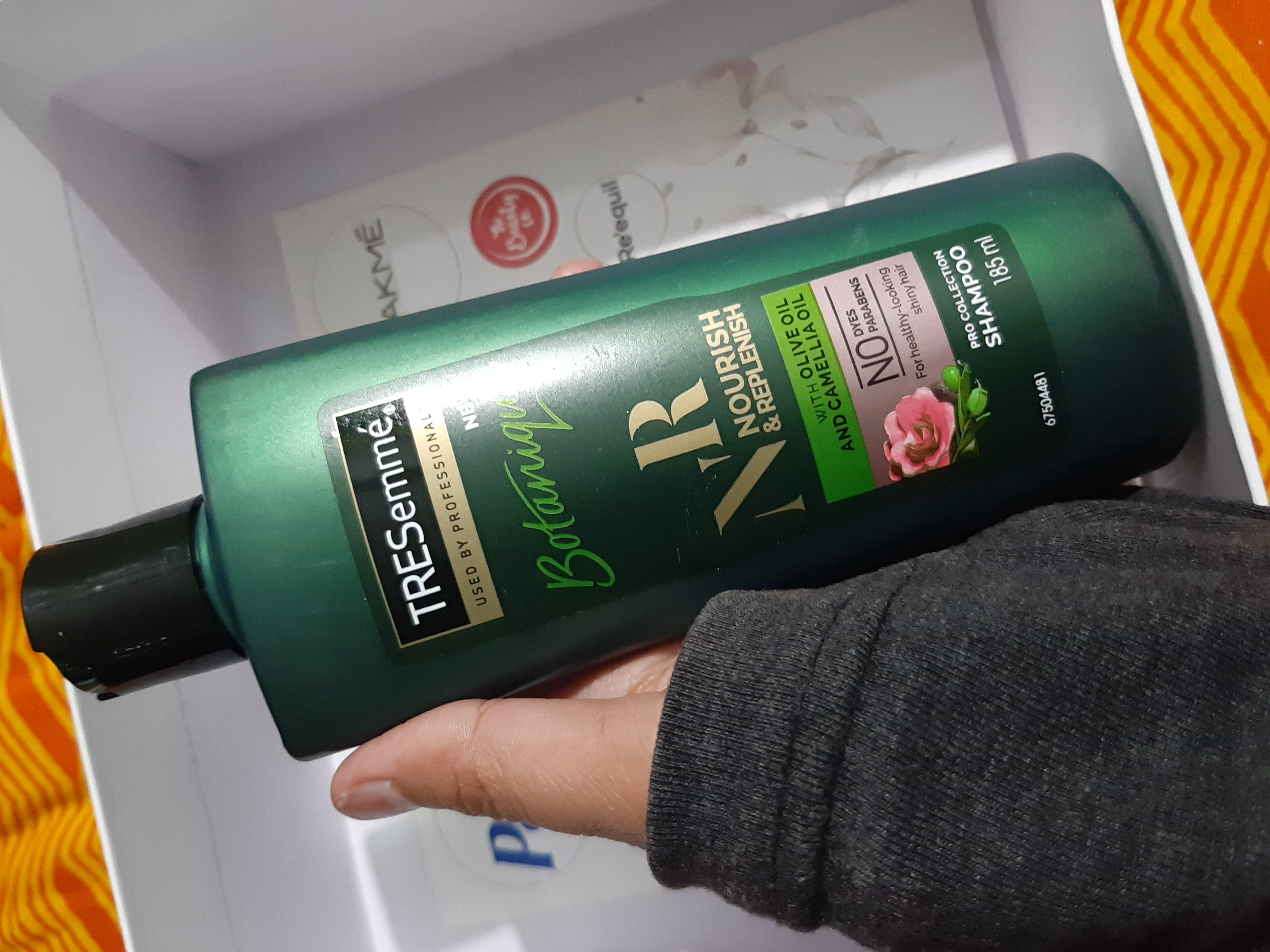 Tresemme Botanique Nourish And Replenish Shampoo-Must- have product for smooth and silky hair.-By humakhan-3