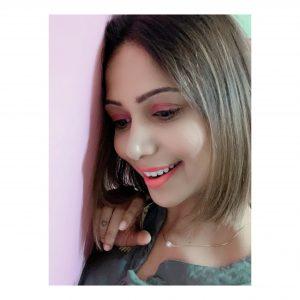 Lakme Absolute Illuminating Eyeshadow Palette pic 2-GET GLOWING GIRLS – EYES , CHEEKS AND LIPS-By mahekhanitha