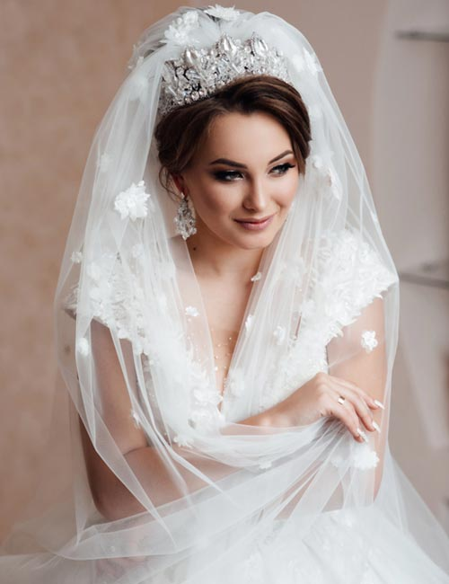 Braut Friseuren mit Schleier und Diadem