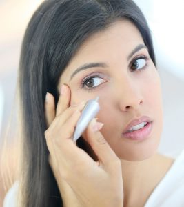 How to Apply Concealer in Hindi
