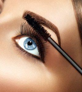 How to Apply Mascara.jpg