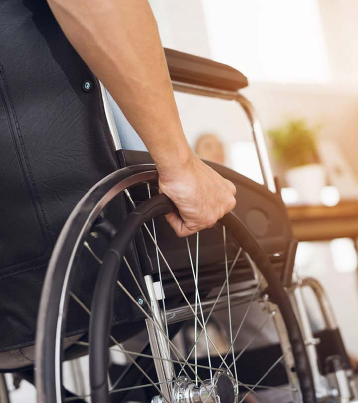 Paralysis Causes, Symptoms and Treatment in Hindi
