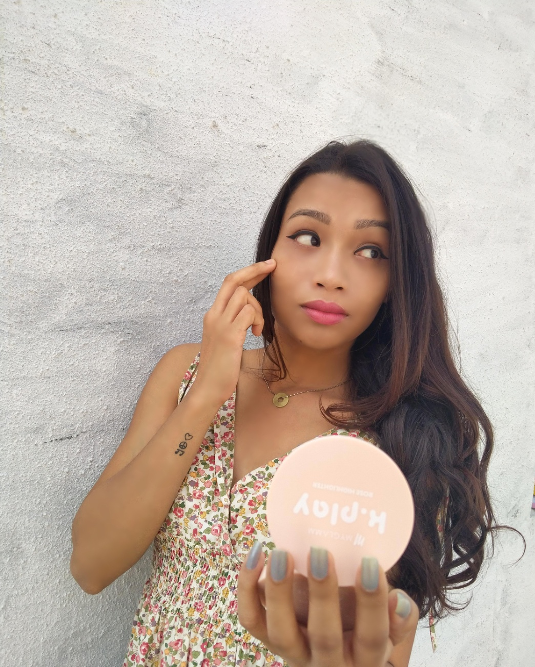 MyGlamm K.PLAY FLAVOURED HIGHLIGHTER – PINK ROSE pic 1-Highlighting game on.-By geetanjali_bharali