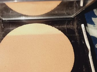 Maybelline Fit Me Matte And Poreless Powder pic 4-My favourite product.-By arsh
