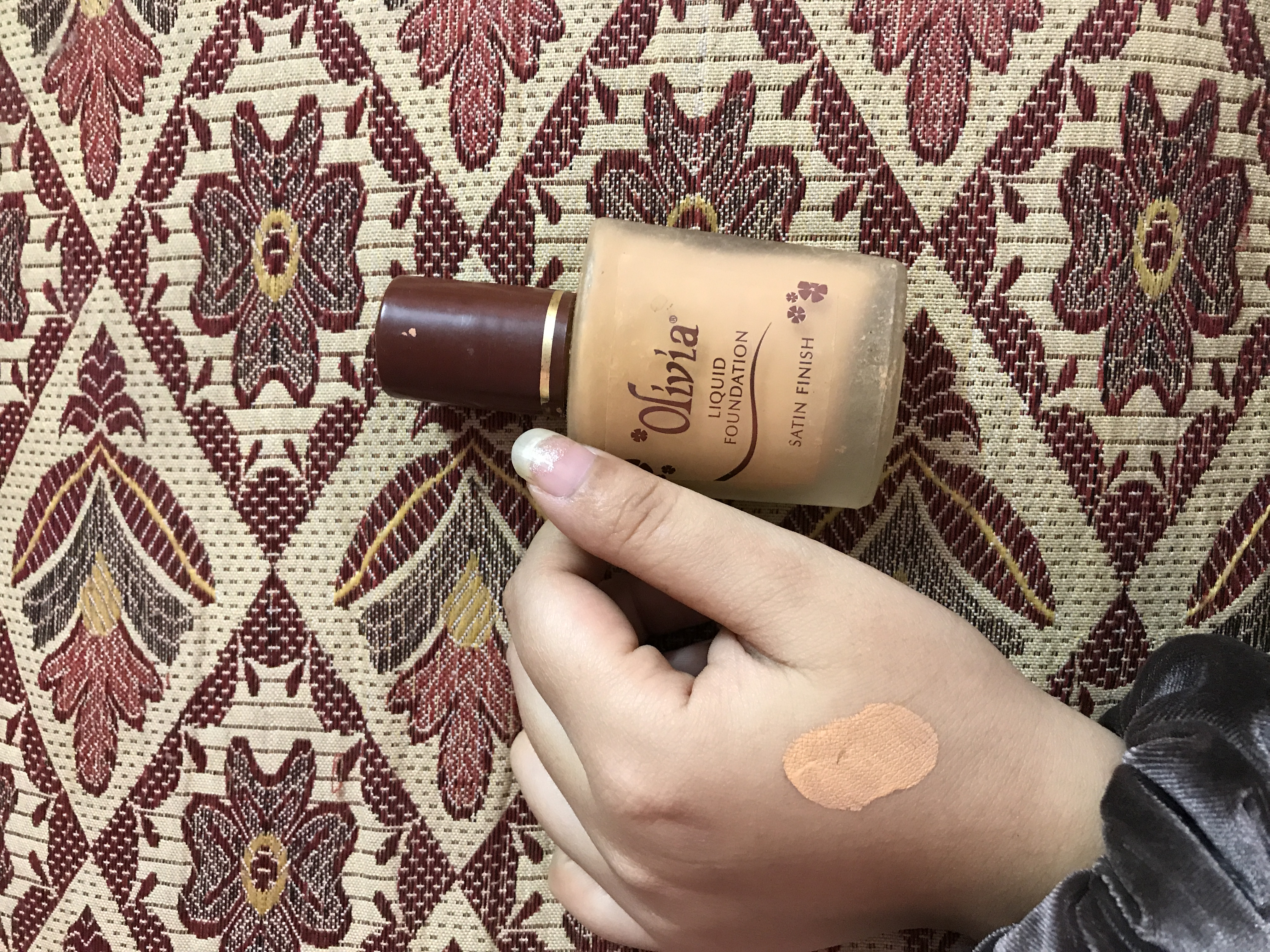 Olivia Liquid Foundation Satin Finish-A thumbs up-By she_oneand_only