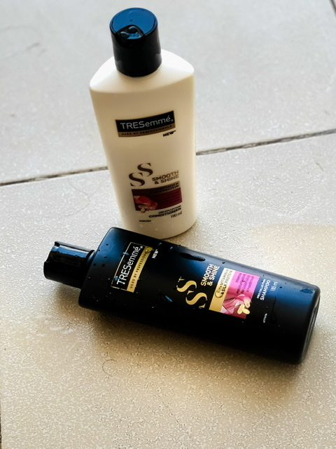 Tresemme Smooth And Shine Shampoo-For Rough hairs-By livydang89-2