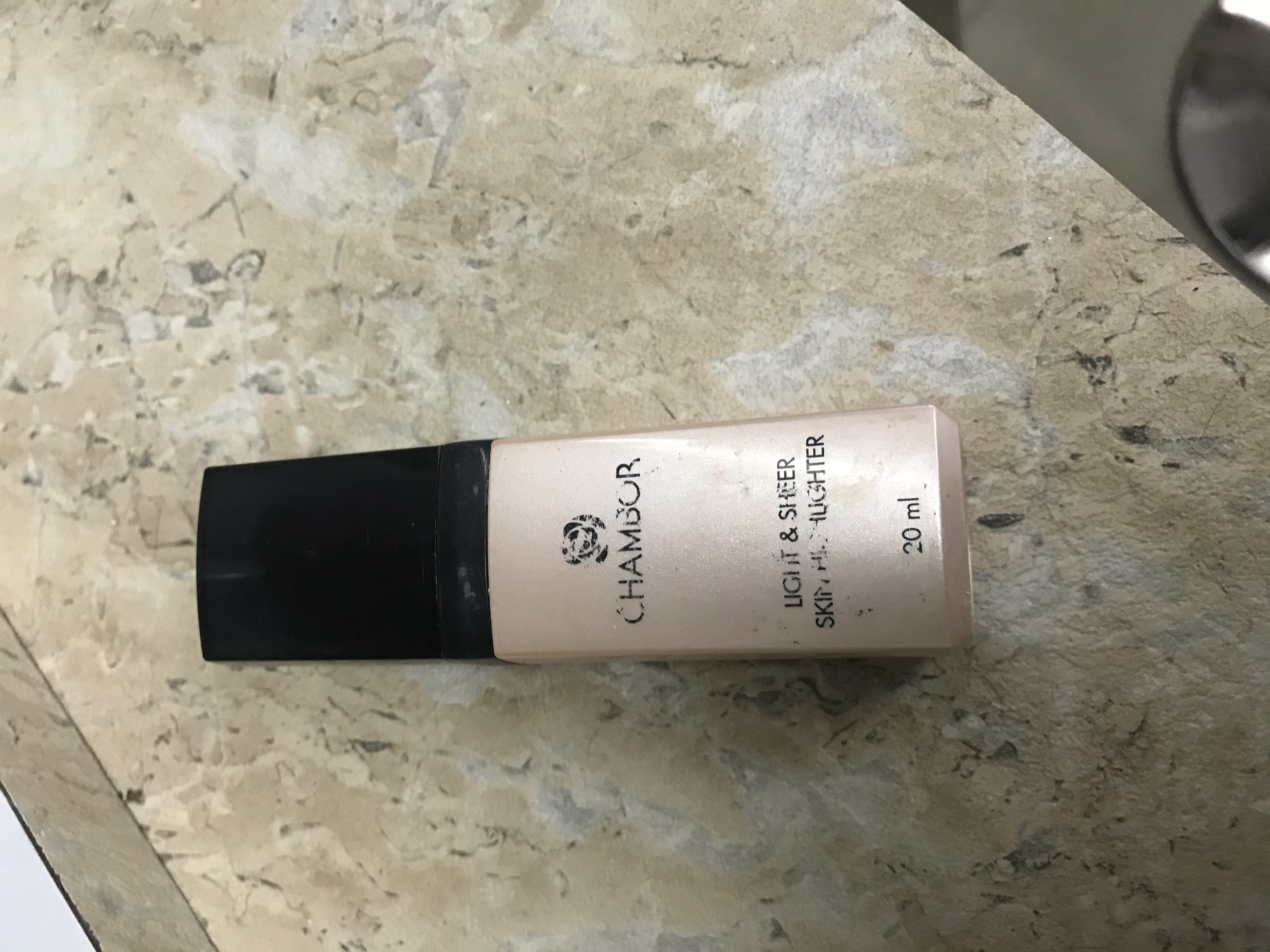 Chambor Light & Sheer Skin Highlighter-Add glow to your Makeup-By womanofbeauty-2