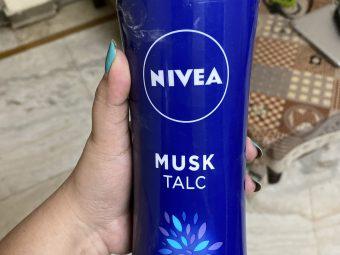 Nivea Musk Talc -Keeps body refresh-By shachi_sharma