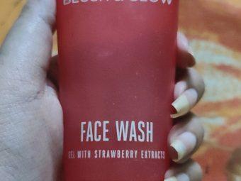 Lakme Blush & Glow Strawberry Gel Face Wash -Refreshing facewash-By sneha8620