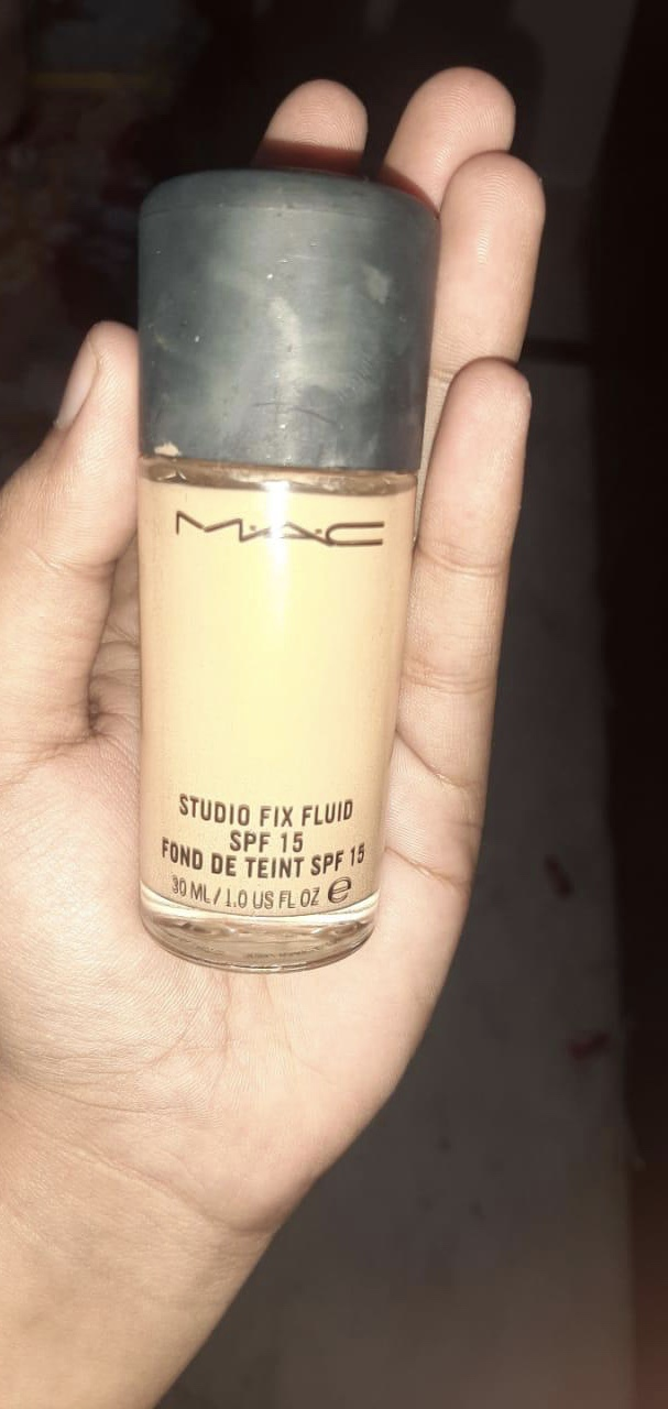 MAC Studio Fix Fluid Foundation With SPF 15-Photogenic foundation-By shachi_sharma