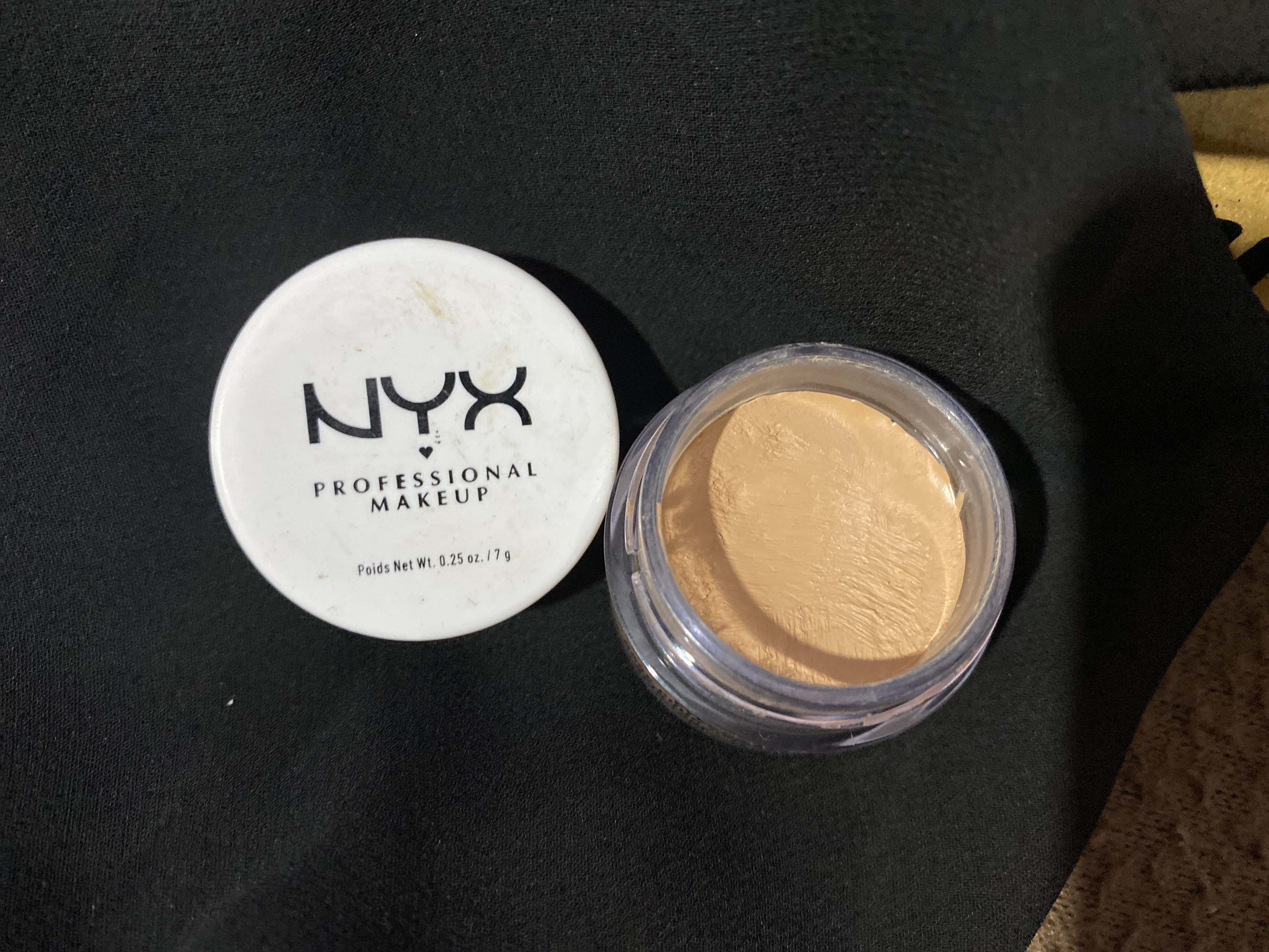 NYX Professional Makeup Eyeshadow Base-Brow-shaper and Eye Primer-By shachi_sharma-1