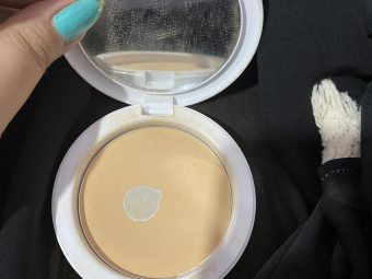 Maybelline New York White Super Fresh Compact pic 2-Everyday compact-By shachi_sharma