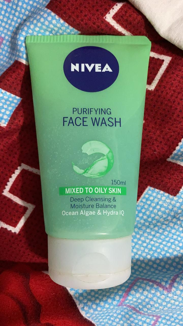 Nivea Purifying Face Wash-Purifies the skin-By shachi_sharma