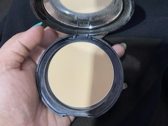 Lakme Absolute White Intense Wet & Dry Compact pic 1-Can be used as compact and foundation-By shachi_sharma