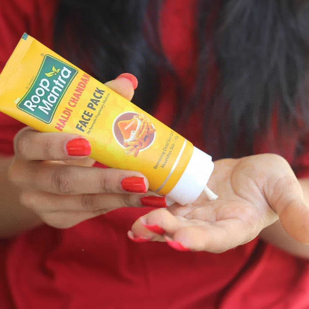 Roop Mantra Haldi Chandan Face Pack -The budget friendly, ayurvedic face pack for instant glow-By exploexplo20