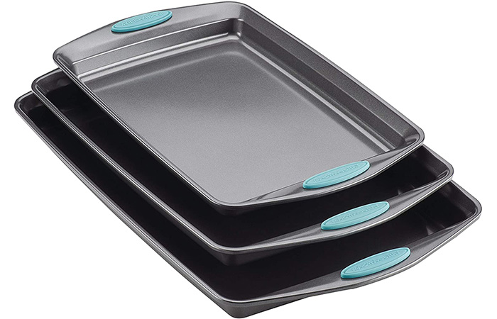 Best Non-Stick Baking Sheet: Rachael Ray Bakeware Set