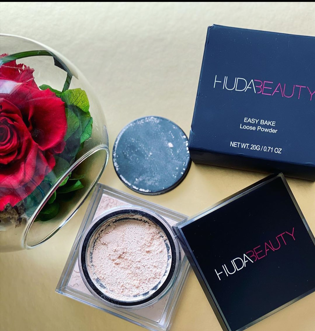 Huda Beauty Easy Bake Loose Powder-Perfect loose powder-By alice_swift