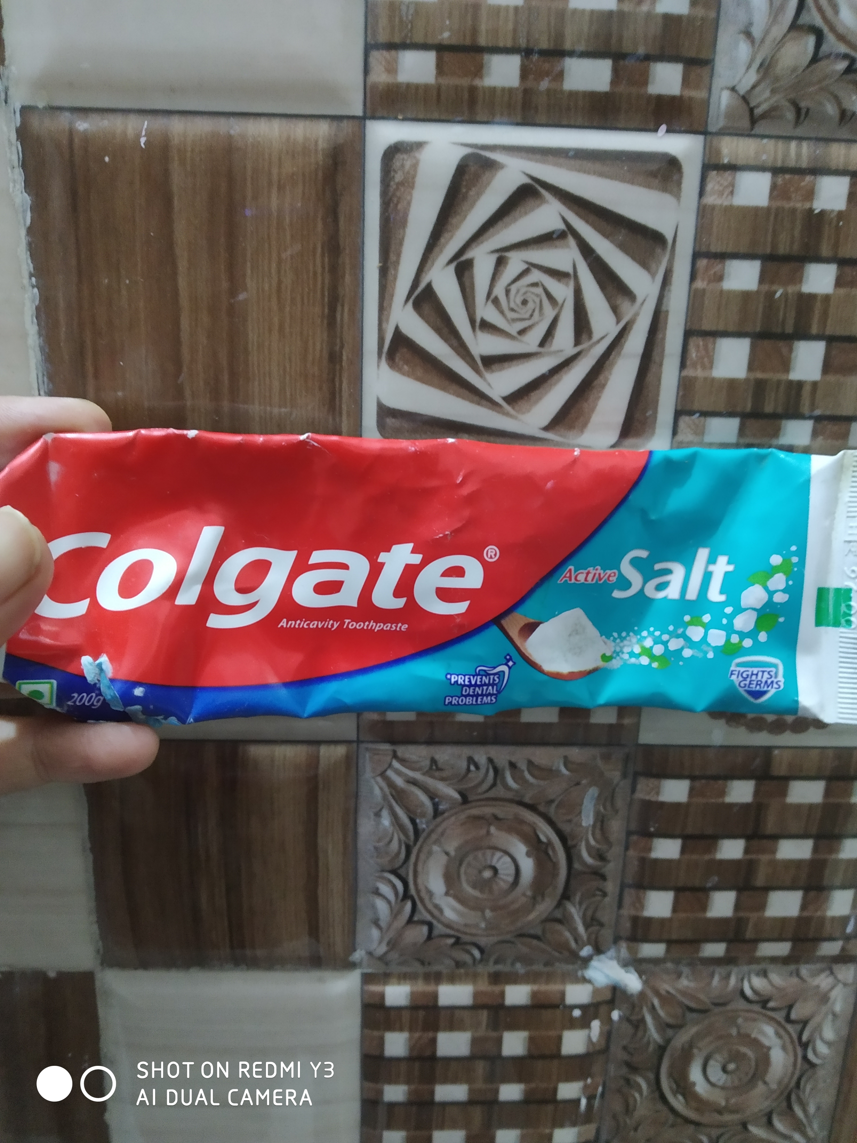 Colgate Active Salt Fight Germs Toothpaste-Effective gum care product!!-By ashima21-5