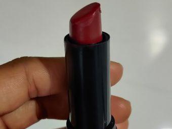 Elle 18 Color Pops Matte Lip Color pic 4-Basic Daily Use Lipsticks-By sana_ziya