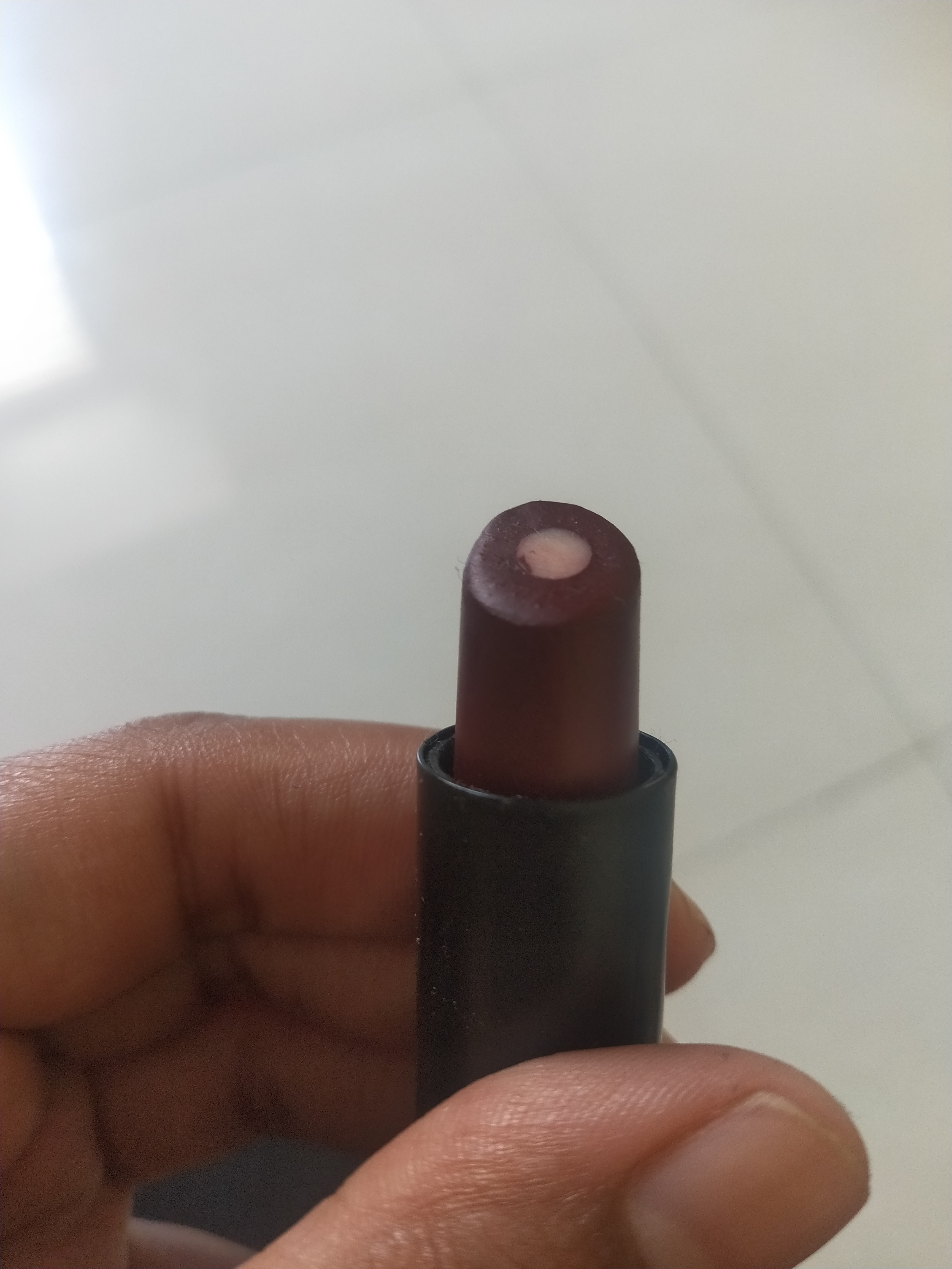 Elle 18 Color Burst Lipstick pic 1-Beautiful shades, affordable lipstick-By miss_hungry_soul