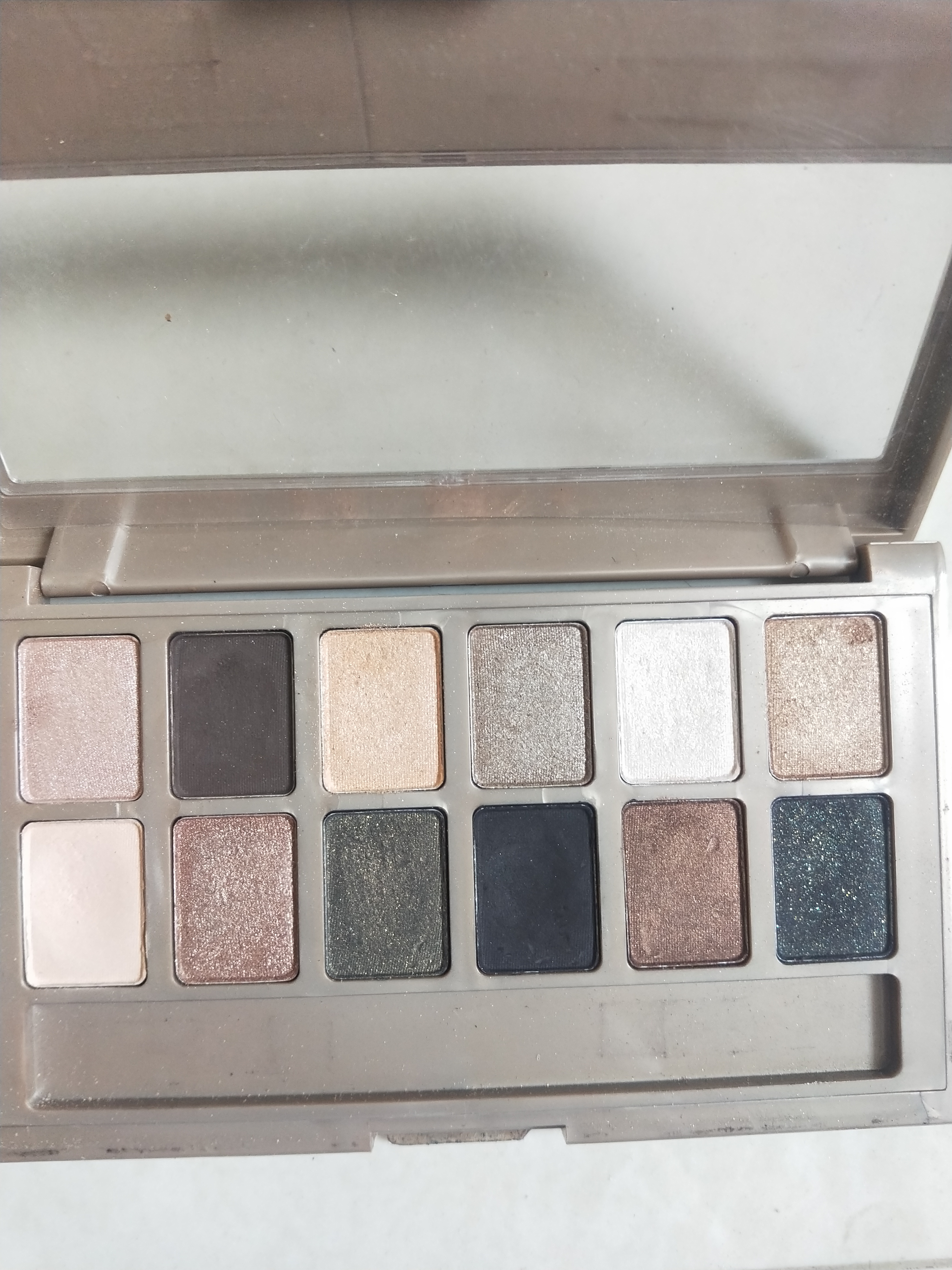 Maybelline New York The 24K Nudes Eyeshadow Palette-Affordable, amazing shades.-By miss_hungry_soul-2