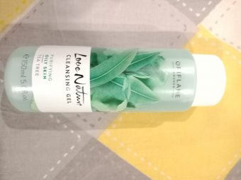 Oriflame Love Nature Tea Tree Cleansing Gel -Very effective and control oil on face-By beauty_bliss2020