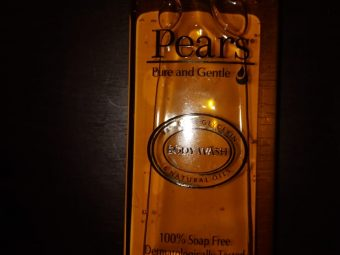 Pears Pure And Gentle Shower Gel pic 2-Gentle on skin-By beauty_bliss2020