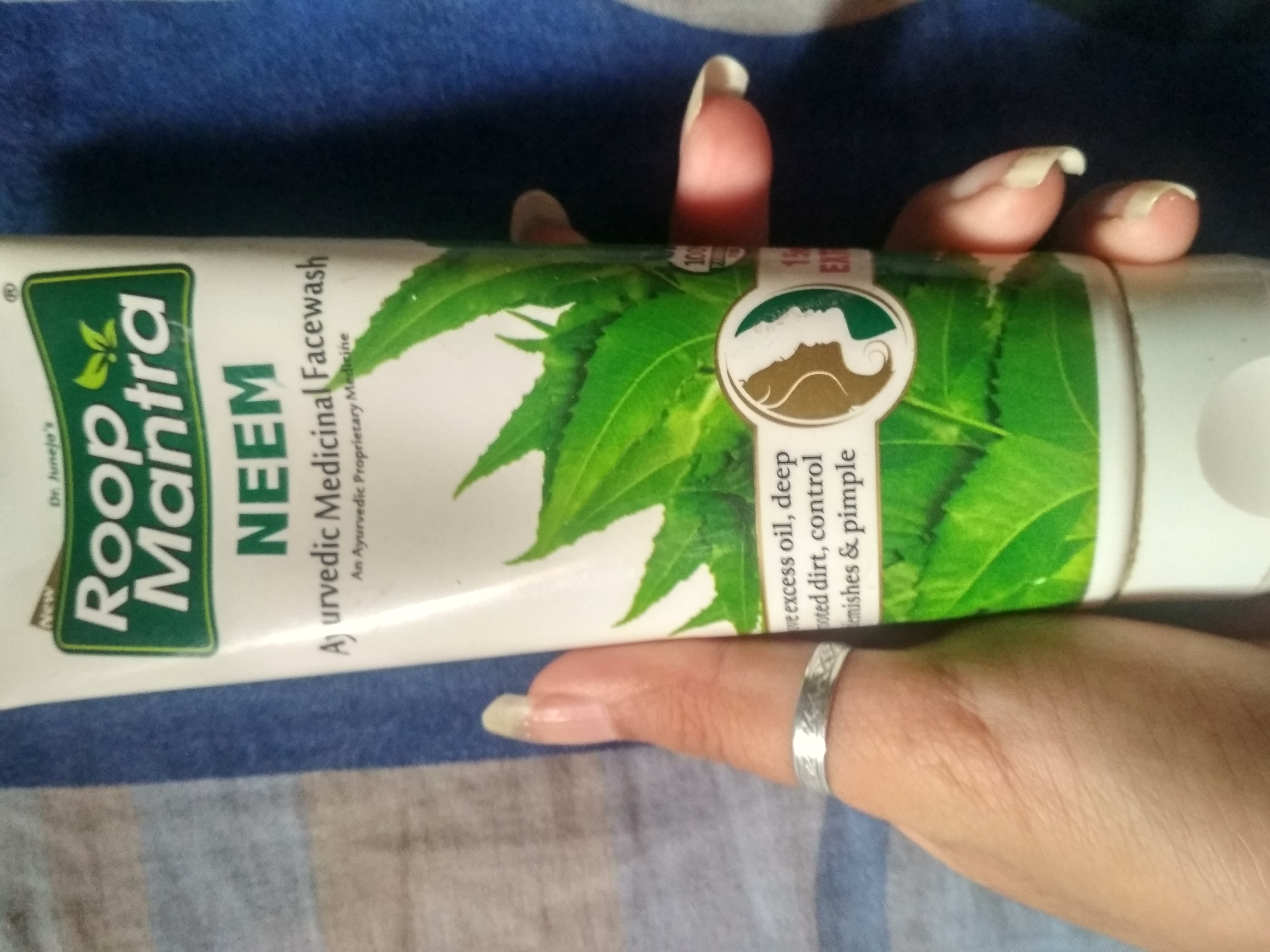 Roop Mantra Neem Face Wash -Works right-By prerna1121