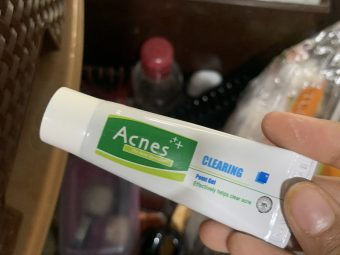 Acnes Clearing Point Anti-Pimple Gel -Does the job perfectly!!-By araish