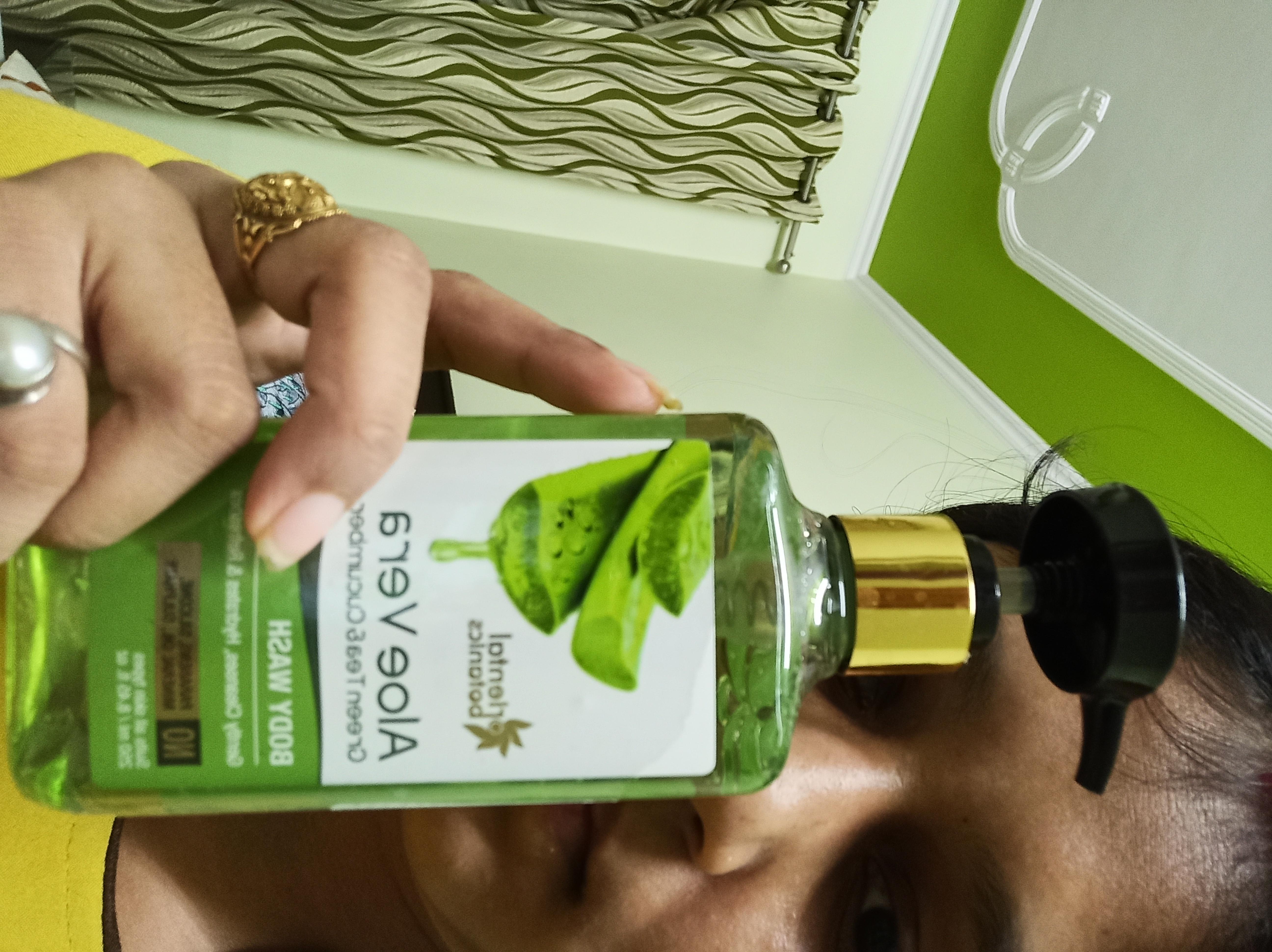 Oriental Botanics Aloe Vera Green Tea & Cucumber Body Wash-Great body wash-By kanu4