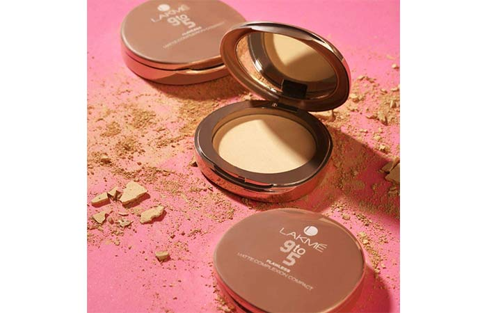 Lakme 9 to 5 Flameless Matte Compact Compact