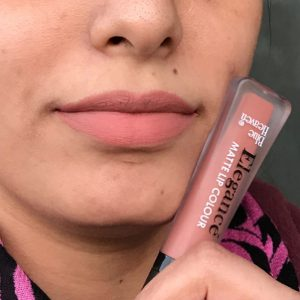 Blue Heaven Elegance Matte Lip Color pic 2-Not upto the mark-By swatchifyme