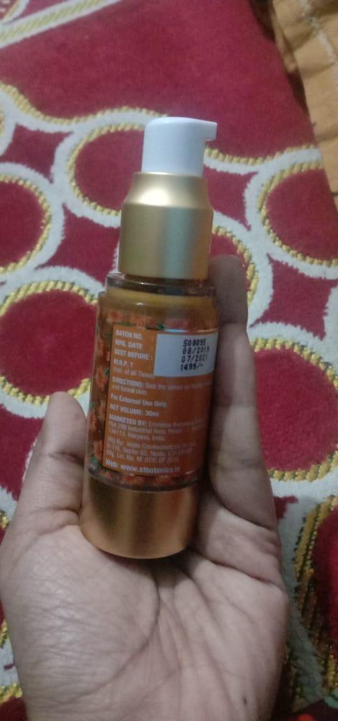 St.Botanica Vitamin C 15% Age Defying & Skin Clearing Serum-good one-By Nasreen-1