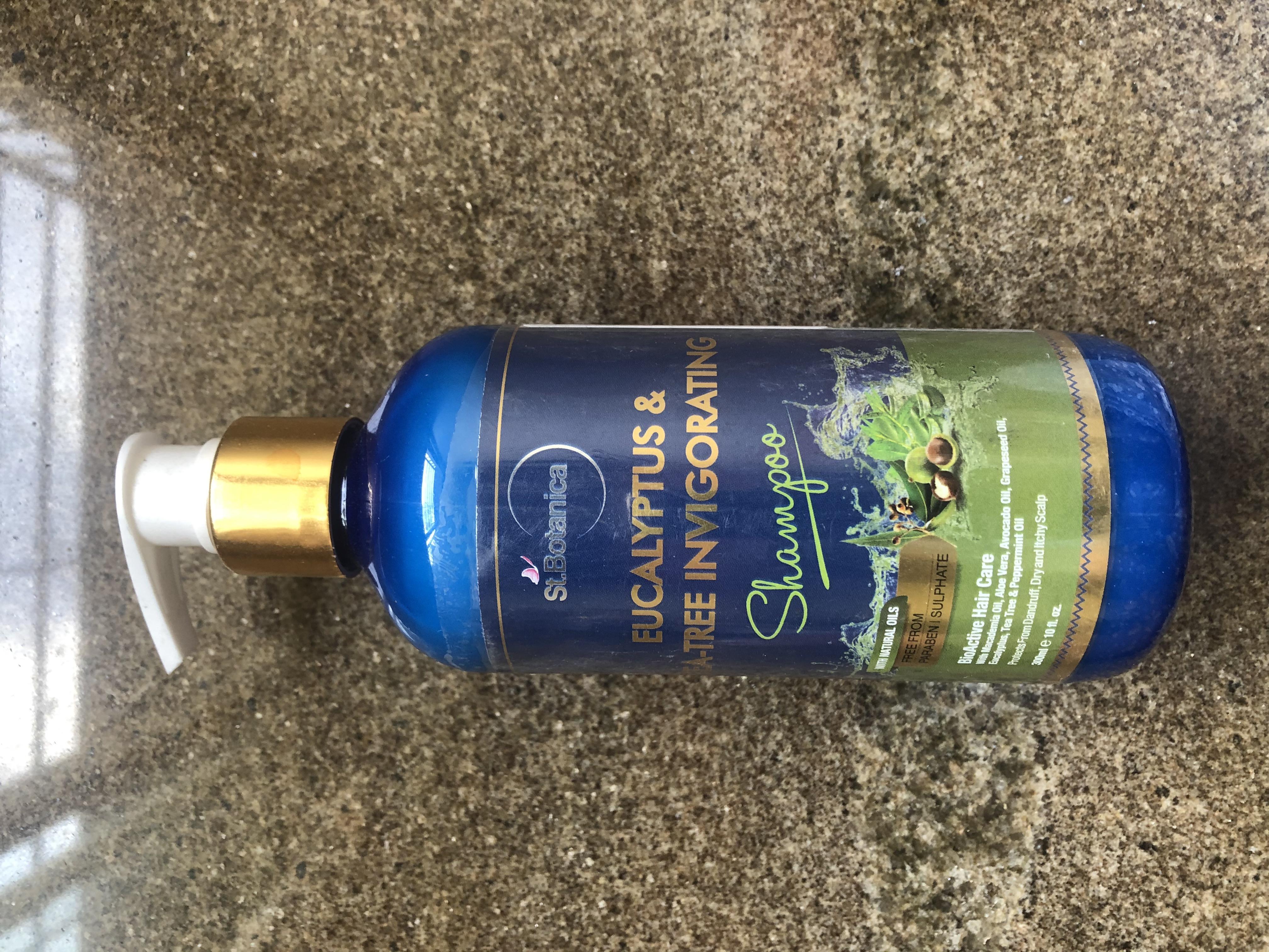 St.Botanica Eucalyptus & Tea Tree Dry Hair Repair Shampoo-Best to treat dry and itchy scalp-By revati_palshetkar-1