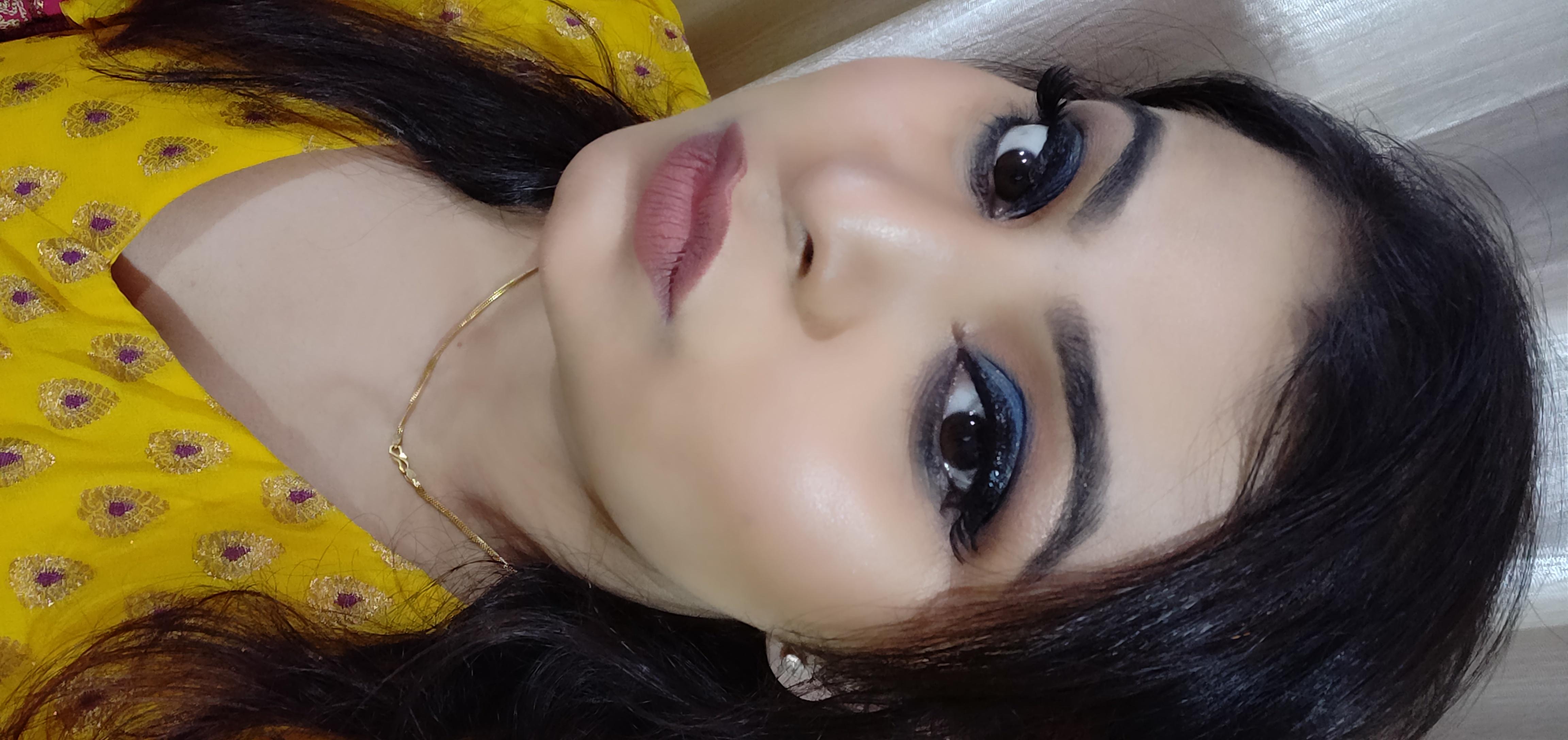 Makeup Revolution Pro Illuminate Highlighter-My secret for glowing skin-By pallavi_kayal